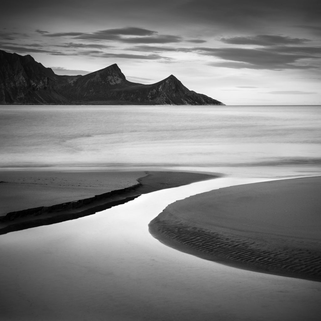Symmetry by the sea © Rafael Rojas