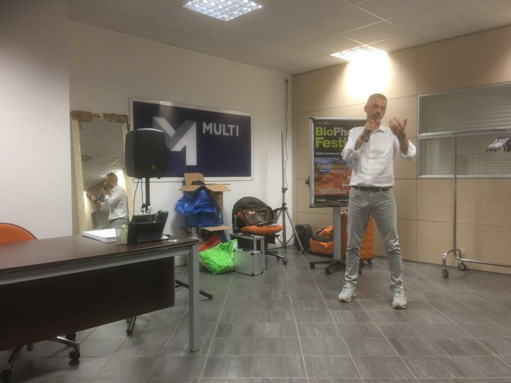 Alberto durante la presentazione del workshop